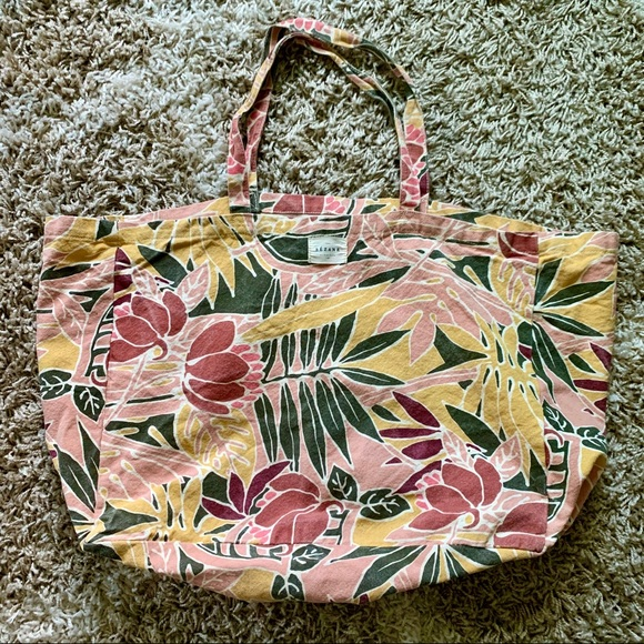 Sezane Handbags - SEZANE large canvas tote in tropical print